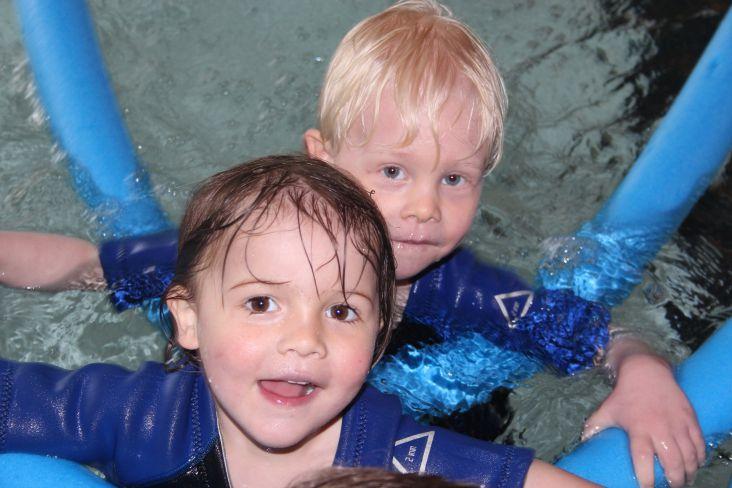 Kennenlernen im schwimmbad